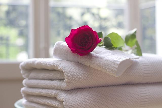 růže na ručníkách