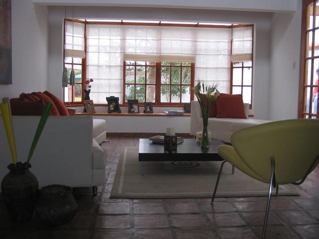 moderní nábytek v přijímací hale